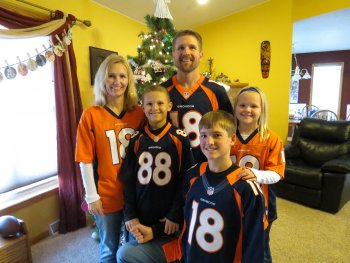 Photo of Cindy Staggemeyer and her family